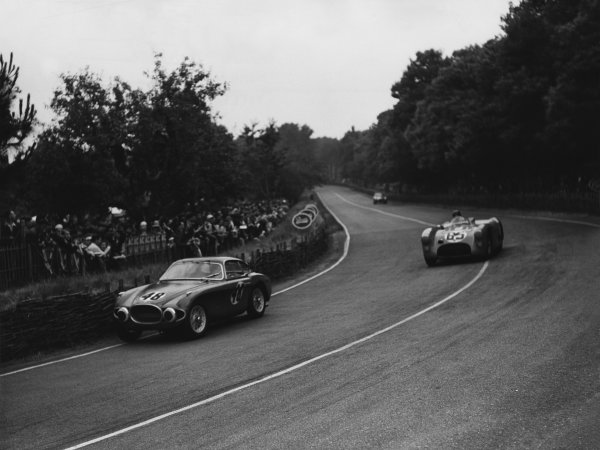 Le Mans, France. 14th - 15th June 1952 Mario Damonte/Martial (Osca MT4 1100), retired, leads Eugene Chaboud/Charles Pozzi (Talbot Lago T26), retired, action. World Copyright: LAT Photographic Ref: Autocar Used Pic 27th June 1952 Pg 792.