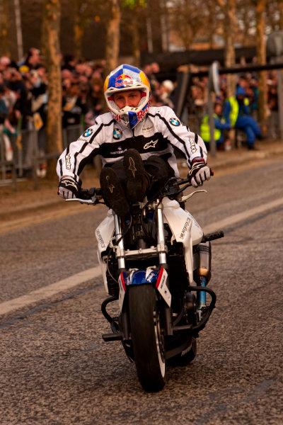 Milton Keynes.  Saturday 10th December 2011.Chris Pfeiffer, stunt bike rider shows of his tricks to the crowd. Photo: Alastair Staley/LAT Photographic.Ref: Digital Image _O9T5265 jpg