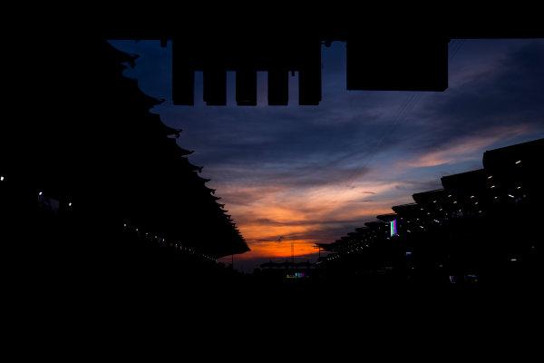 Sepang International Circuit, Sepang, Malaysia. Friday 29 September 2017. Sun rises at the Sepang Circuit. World Copyright: Zak Mauger/LAT Images  ref: Digital Image _56I2089
