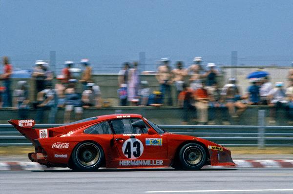 Le Mans, France. 13th - 14th June 1981.Bob Akin/Paul Miller/Craig Siebert (Porsche 935 K3), retired, action. World Copyright: LAT Photographic.Ref:  81LM03.