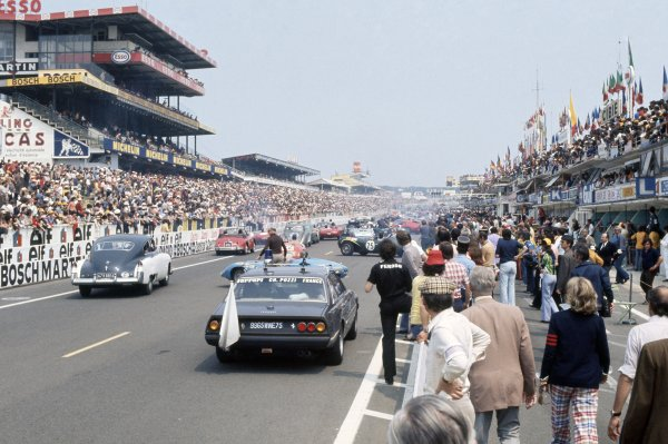 1973 Le Mans 24 hours.Le Mans, France. 9-10 June 1973.Historic demonstration before the start. Atmosphere.World Copyright: LAT PhotographicRef: 35mm transparency 73LM11