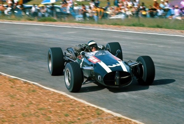 Jochen Rindt (AUT) Cooper Maserati T81, retired on lap 39. Formula One World Championship, South African Grand Prix, Kyalami, South Africa. 2 January 1967. BEST IMAGE