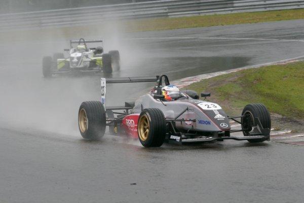 2007 British Formula Three Championship. Spa, Belgium. 26th - 28th July 2007.Maro Engel (Carlin Motorsport) leads Sam Bird (Carlin Motorsport).Action.World Copyright: Drew Gibson/LAT Photographic.Ref: Digital Image Only.