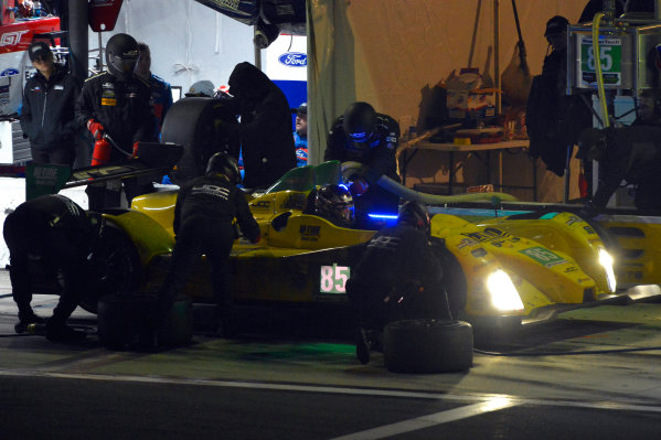28-31 January, 2016, Daytona Beach, Florida USA 85, Chevrolet, ORECA FLM09, PC, Chris Miller, Mikhail Goikhberg, Stephen Simpson, Kenton Koch makes a pit stop. ?2016, F. Peirce Williams LAT Photo USA