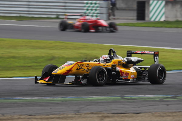 Motegi, Japan. 3rd - 4th August 2013. Rd 5. Race 2 - 2nd position Katsumasa Chiyo ( #50 B-MAX ENGINEERING ) action. World Copyright: Yasushi Ishihara/LAT Photographic. Ref: 2013JF3_Rd11_011