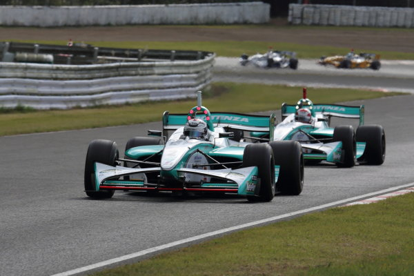 Sportsland Sugo, Japan. 28th - 29th September 2013. Rd 5. 2nd position Andre Lotterer ( #2 PETRONAS TEAM TOM'S ) action World Copyright: Yasushi Ishihara/LAT Photographic. Ref: 2013SF_Rd6_012