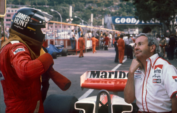Monte Carlo, Monaco. 27th - 30th May 1976. James Hunt (McLaren M23-Ford), retired, with Teddy Mayer in the pits, portrait.  World Copyright: LAT Photographic.  Ref:  76 MON 58.
