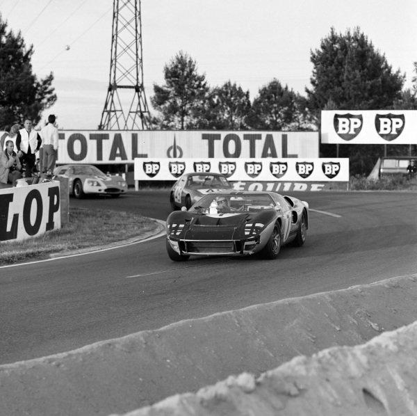Graham Hill / Brian Muir, Alan Mann Racing Ltd, Ford Mk II.