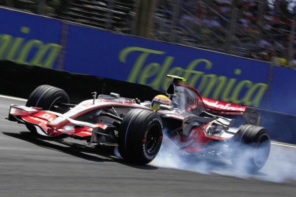 Lewis Hamilton, McLaren MP4-22 Mercedes with a lock up.