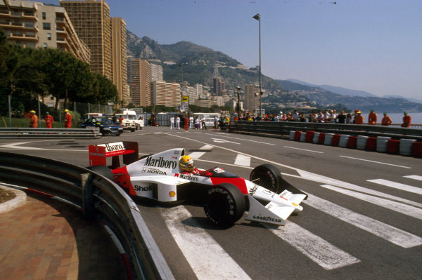 Monte Carlo, Monaco.4-7 May 1989.Ayrton Senna (McLaren MP4/5 Honda) 1st position at Portier.Ref-89 MON 26.World Copyright - LAT Photographic
