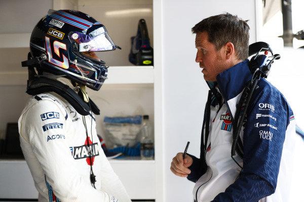 Lance Stroll, Williams Racing, talks to Rob Smedley, Head of Vehicle Performance, Williams Martini Racing.
