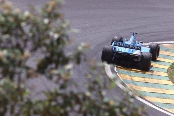 2000 Brazilian Grand Prix.Interlagos, Sao Paulo, Brazil.24-26 March 2000.Giancarlo Fisichella (Benetton B200 Playlife) 2nd position.World Copyright - LAT Photographic