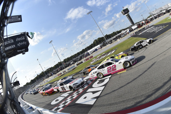 #16: A.J. Allmendinger, Kaulig Racing, Chevrolet Camaro Hyperice, #22: Austin Cindric, Team Penske, Ford Mustang Carshop