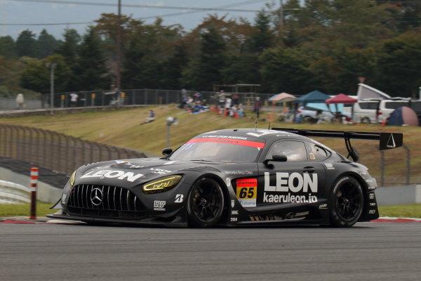 Naoya Gamou & Togo Suganami ( #65 LEON PYRAMID AMG Mercedes) GT300 3rd position
