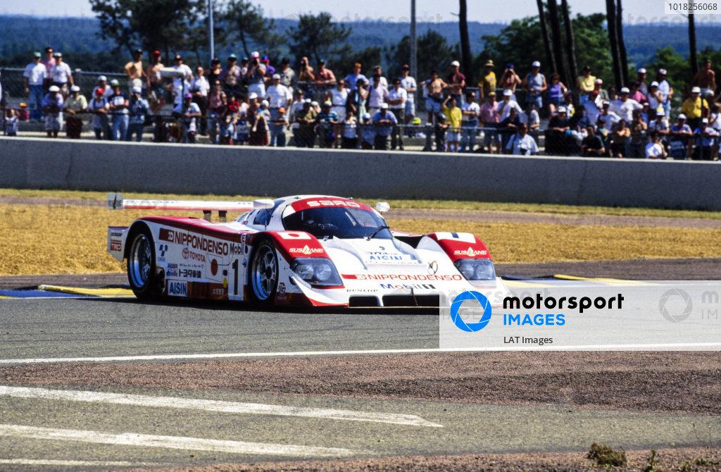 Eddie Irvine / Mauro Martini / Jeff Krosnoff, SARD Company Ltd, Toyota 94C-V LM, recovers from a spin.