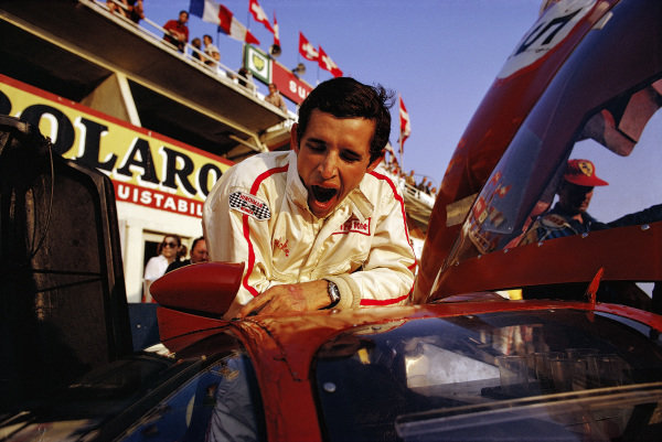 Jacky Ickx before the start.