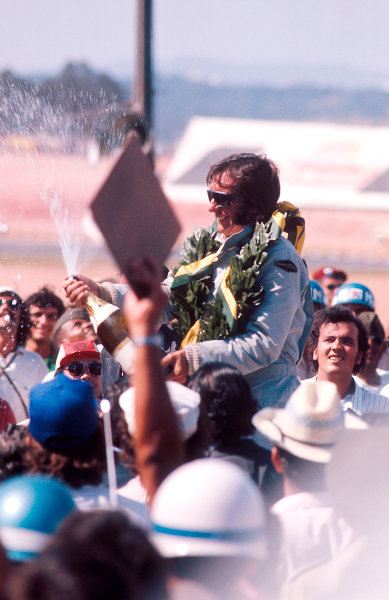 1973 Brazilian Grand Prix.Interlagos, Sao Paulo, Brazil.9-11 February 1973.Emerson Fittipaldi (Team Lotus) 1st position on the podium.Ref-73 BRA 34.World Copyright - LAT Photographic