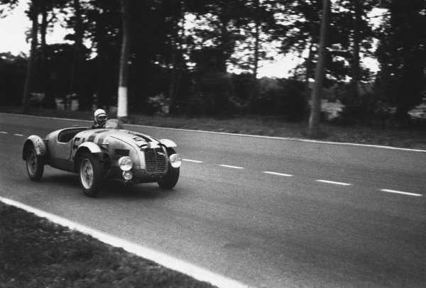 Le Mans, France. 24th - 25th June 1950 Maurice Gatsonides/Hoogeven (Aero Minor 750), 21st position, action. World Copyright: LAT Photographic Ref: L466 - 35-35A.