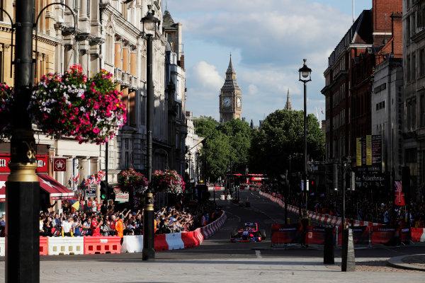 London, United Kingdom.  Wednesday 12 July 2017. Carlos Sainz Jr, Toro Rosso STR12 Renault. World Copyright: Mauger/LAT Images  ref: Digital Image _54I2360