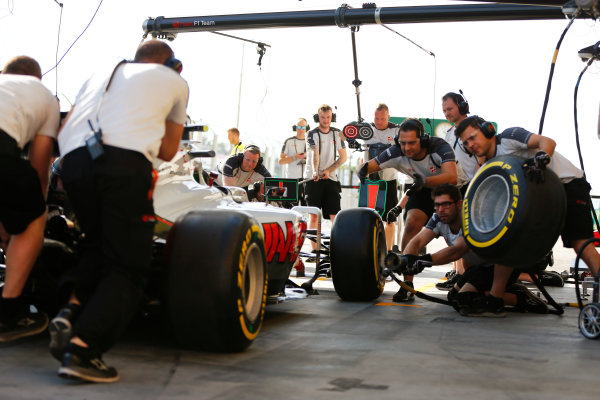 Hungaroring, Budapest, Hungary. Thursday 21 July 2016. The Haas F1 team practise pit stops. World Copyright: Andrew Hone/LAT Photographic ref: Digital Image _ONY0304