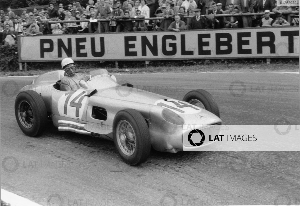 Spa-Francorchamps, Belgium. 3rd - 5th June 1955. Stirling Moss (Mercedes-Benz W196) 2nd position, action.World Copyright: LAT Photographic