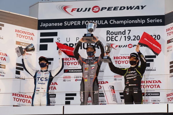 The round seven podium. Winner Syo Tsuboi ( #39 JMS P.MU/CERUMO・INGING, Dallara SF19 Toyota ) celebrates between Toshiki Oyu ( #65 TCS NAKAJIMA RACING, Dallara SF Honda )second and Nobuharu Matsushita ( #50 Buzz Racing with B-Max, Dallara SF19 Honda ), third