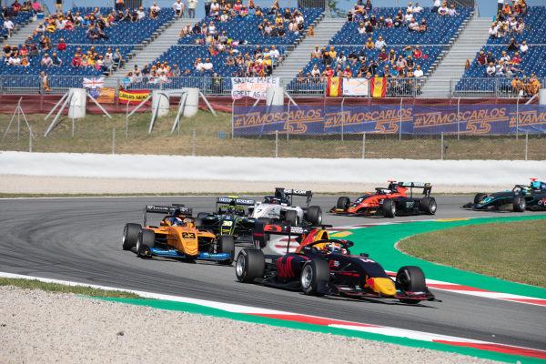 Yuki Tsunoda (JPN, Jenzer Motorsport) and Alexander Peroni (AUS, Campos Racing)