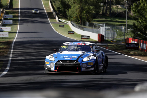 #18 KCMG  Nissan GT-R Nismo GT3: Alexandre Imperatori, Oliver Jarvis, Edoardo Liberati.