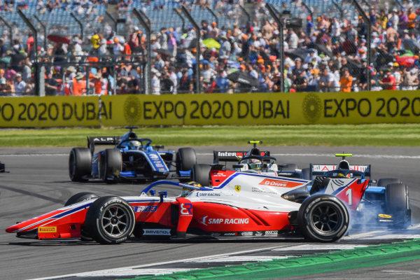 Robert Shwartzman (RUS, Prema Racing), spins ahead of Lirim Zendeli (DEU, MP Motorsport), and Theo Pourchaire (FRA, ART Grand Prix)