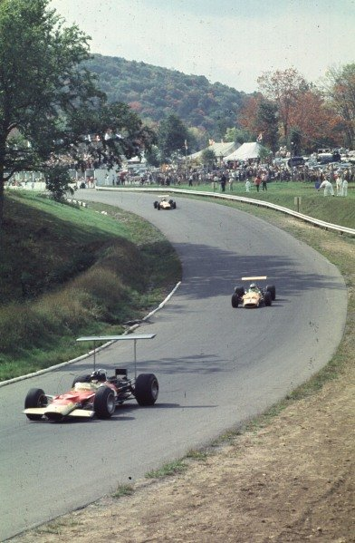 1968 Canadian Grand Prix.Mont-Tremblant, (St. Jovite), Quebec, Canada.20-22 September 1968.Graham Hill (Lotus 49B Ford) leads Denny Hulme and Bruce McLaren (both McLaren M7A Ford). They finished in 4th, 1st and 2nd positions respectively.Ref-68 CAN 05.World Copyright - LAT Photographic
