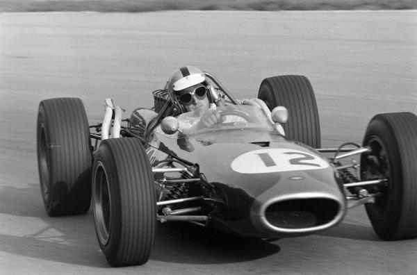 Denny Hulme, Brabham BT20 Repco, sideways.