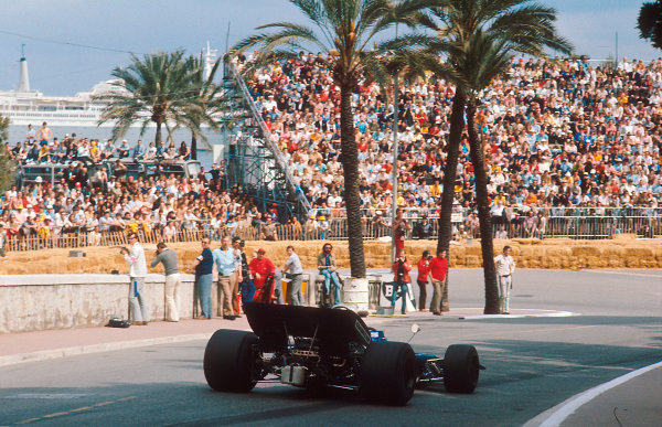 1971 Monaco Grand Prix.Monte Carlo, Monaco.20-23 May 1971.Jackie Stewart (Tyrrell 003 Ford) 1st position at the Station Hairpin.Ref-71 MON 02.World Copyright - LAT Photographic