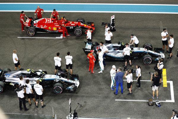 Lewis Hamilton, Mercedes AMG F1 W09 EQ Power+, Valtteri Bottas, Mercedes AMG F1 W09 EQ Power+, and Sebastian Vettel, Ferrari SF71H, on the grid after qualifying