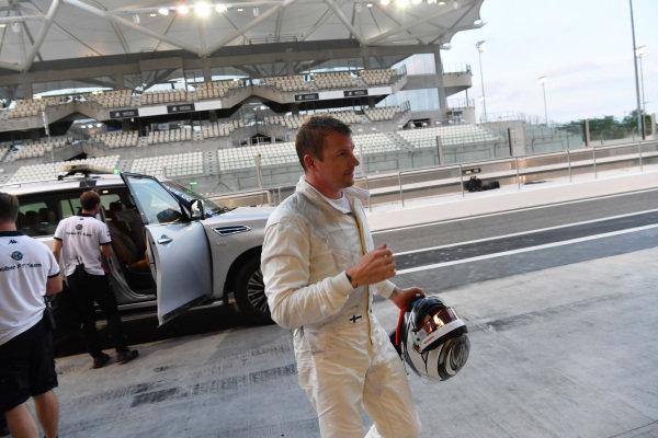 Kimi Raikkonen, Alfa Romeo Sauber F1 Team returns to the pits