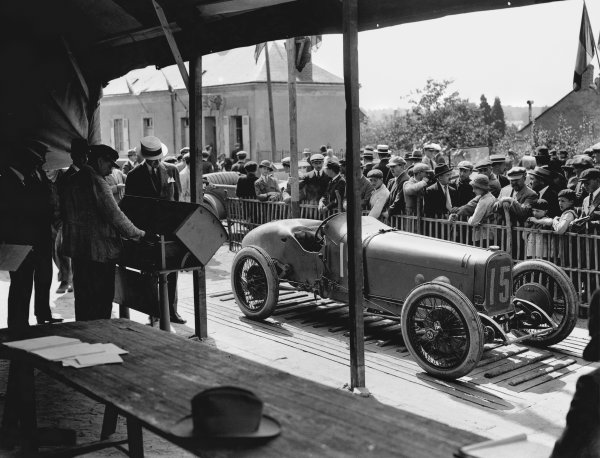 Le Mans, France. 25th July 1921. Andre Boillot (Sunbeam), 5th position, scrutineering, action. Ref: Autocar Glass Plate 7275.World Copyright: LAT Photographic