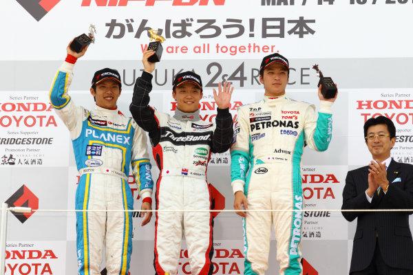 2011 Japanese Formula Three ChampionshipRound 2 - Suzuka, Japan.14th - 15th May 2011.Rd 2 Winner Hironobu Yasuda ( #12 ThreeBond Racing ) 2nd positiion  Hideki Yamauchi ( #5 HANASHIMA RACING ) 3rd position Naoya Gamou ( #1 PETRONAS TEAM TOM'S ), podium.World Copyright: Yasushi Ishihara/LAT Photographicref: Digital Image 2011JF3_R2_005