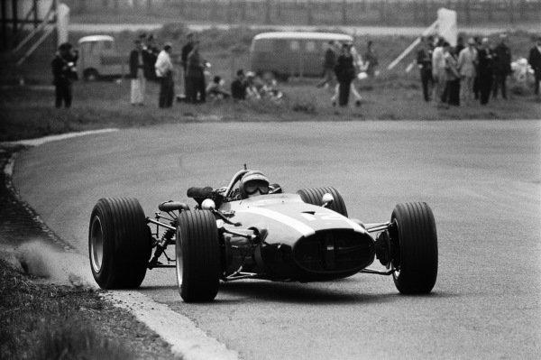 Jochen Rindt, Cooper T81B Maserati exits Hugenholzbocht.
