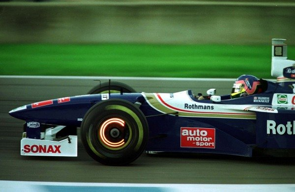 1997 European Grand Prix.Jerez, Spain.24-26 October 1997.Jacques Villeneuve (Williams FW19 Renault) 3rd position, clinching the World Championship.World - LAT Photographic