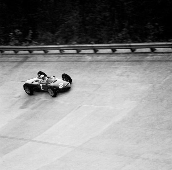 1961 Italian Grand Prix.Monza, Italy.8-10 September 1961.Phil Hill (Ferrari Dino 156) 1st position.Ref-10581.World Copyright - LAT Photographic