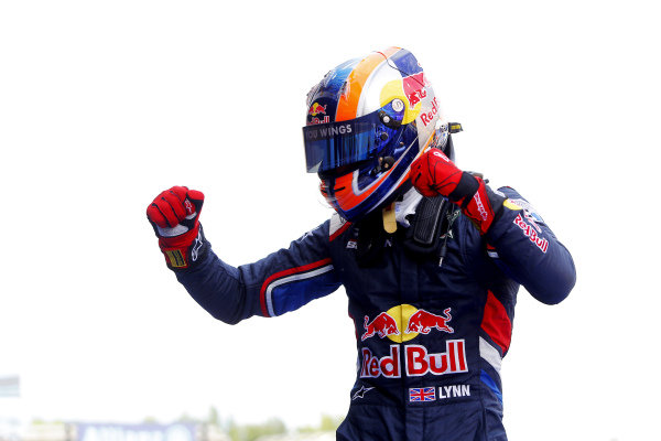 Race one winner Alex Lynn (GBR) Carlin celebrates in parc ferme. GP3 Series, Rd1, Barcelona, Spain, 9-11 May 2014.