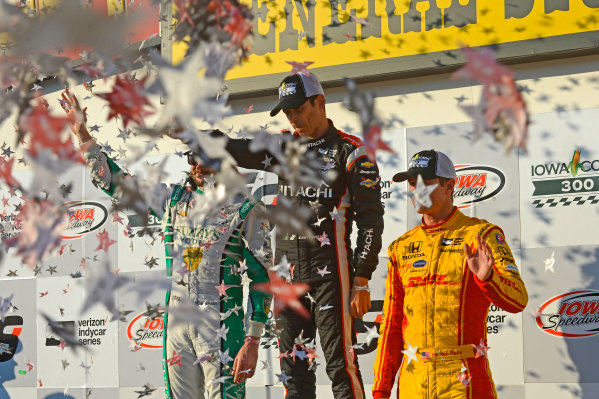 Verizon IndyCar Series Iowa Corn 300 Iowa Speedway, Newton, IA USA Sunday 9 July 2017 Winner Helio Castroneves, Team Penske Chevrolet, with JR Hildebrand, Ed Carpenter Racing Chevrolet (2nd) and Ryan Hunter-Reay, Andretti Autosport Honda (3rd). World Copyright: F. Peirce Williams LAT Images
