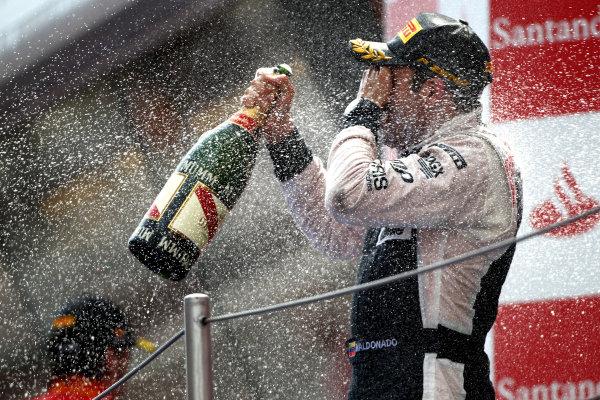 Circuit de Catalunya, Barcelona, Spain13th May 2012Pastor Maldonado, Williams F1 Team, 1st position, sprays the Champagne.World Copyright: Andy Hone/LAT Photographicref: Digital Image HONY9300