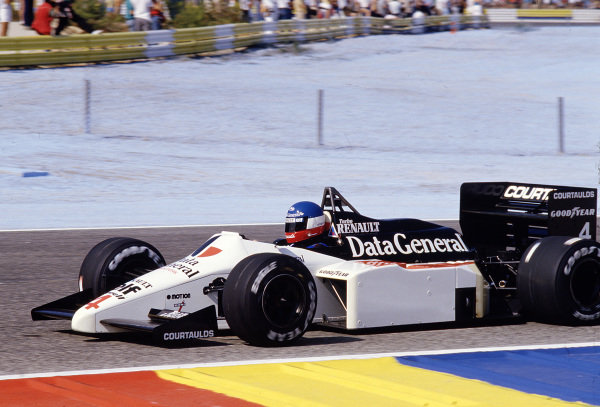 1986 French Grand Prix. Paul Ricard, Le Castellet, France. 4-6 July 1986. Philippe Streiff (Tyrrell 015 Renault). Ref-86 FRA 36. World Copyright - LAT Photographic