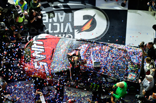 2017 NASCAR Monster Energy Cup - Daytona 500 Daytona International Speedway, Daytona Beach, FL USA Sunday 26 February 2017 Kurt Busch, celebrates after winning the Daytona 500. World Copyright: John K Harrelson / LAT Images ref: Digital Image 17DAY2jh_08590