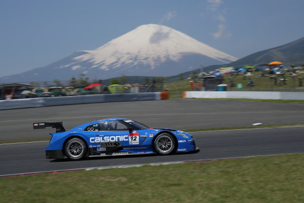 2014 Japanese Super GT Series. Fuji, Japan. 3rd - 4th May 2014. Rd 2. GT500 Winner Hironobu Yasuda & J.P.L.De Oliveira ( #12 CALSONIC IMPUL GT-R ) action World Copyright: Yasushi Ishihara / LAT Photographic. Ref: 2014SGT_Rd2_002.JPG