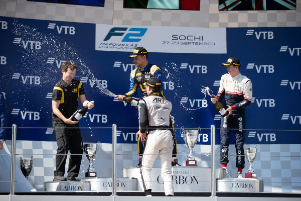SOCHI AUTODROM, RUSSIAN FEDERATION - SEPTEMBER 29: Luca Ghiotto (ITA, UNI VIRTUOSI) Nyck De Vries (NLD, ART GRAND PRIX) ans Callum Ilott (GBR, SAUBER JUNIOR TEAM BY CHAROUZ) during the Sochi at Sochi Autodrom on September 29, 2019 in Sochi Autodrom, Russian Federation. (Photo by Joe Portlock / LAT Images / FIA F2 Championship)