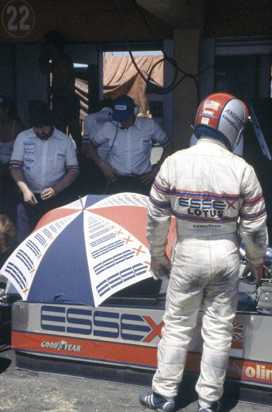 1980 Brazilian Grand Prix.Interlagos, Sao Paulo, Brazil. 25-27 January 1980.Mario Andretti (Lotus 81-Ford Cosworth), retired.World Copyright: LAT PhotographicRef: 35mm transparency 80BRA13