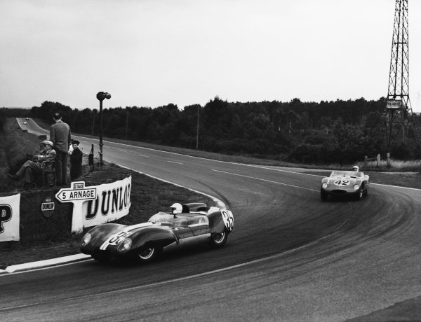 Le Mans, France. 21st - 22nd June 1958 Jay Chamberlain/Pete Lovely (Lotus 15 Climax), retired, leads Alejandro de Tomaso/Colin Davis (Osca S750), 11th position, action. World Copyright: LAT Photographic Ref: B/W Print.