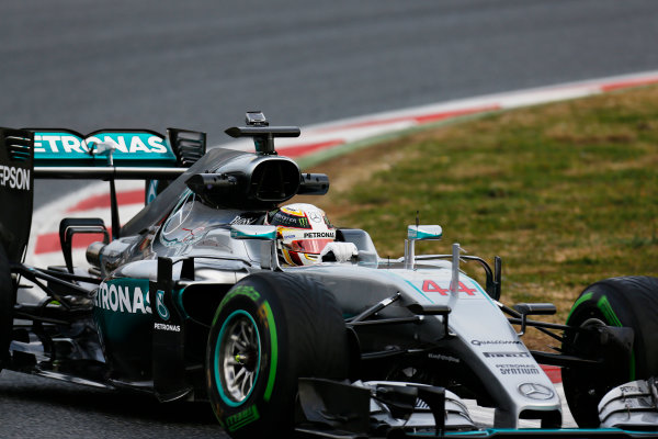 Circuit de Catalunya, Barcelona, Spain Monday 22 February 2016. Lewis Hamilton, Mercedes F1 W07 Hybrid. World Copyright: Alastair Staley/LAT Photographic ref: Digital Image _R6T6502