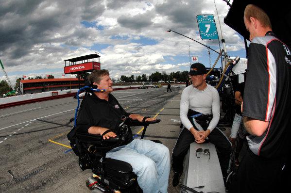 31 July- 2 August, 2015, Lexington, Ohio USA Sam Schmidt debriefs with driver James Jakes ©2015, Gregg Feistman LAT Photo USA